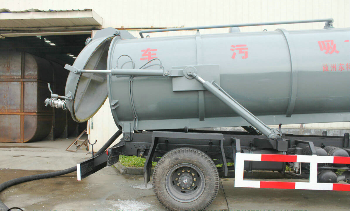Vacuum Tank Truck 10000L-12000 Liter For Sucking chemical acid Waste