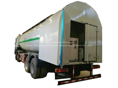 LPG Bobtail Tanker Truck HOWO 12 Wheels Drive 30cbm Tank Mounted with LPG Pump computer Dispenser